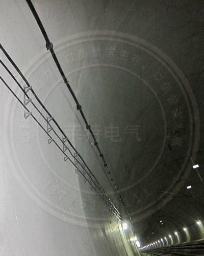 隧道電纜掛架如何安裝?