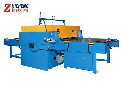 Automatic feeding cutting machine safe operation